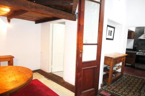 2541 estudio con techos altos puertas y ventanas de for Fabrica de ventanas de madera en buenos aires